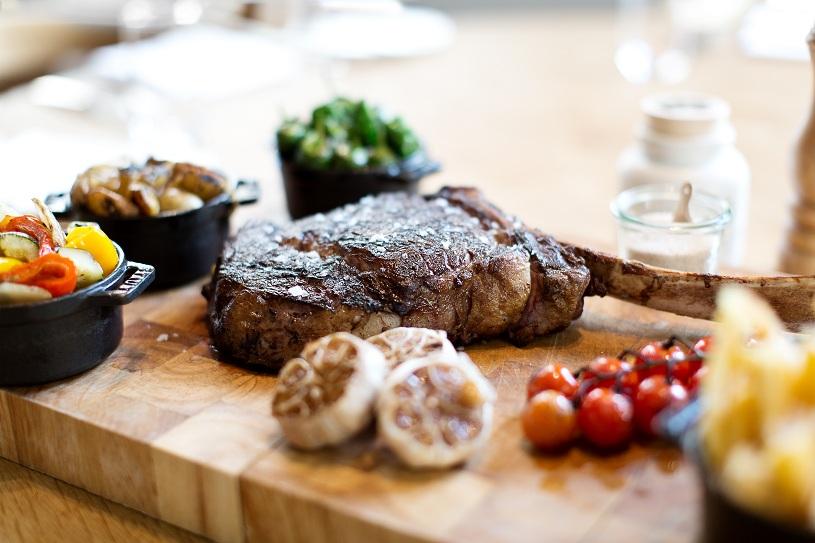 dstrikt-steakhouse_c-tina-herzl